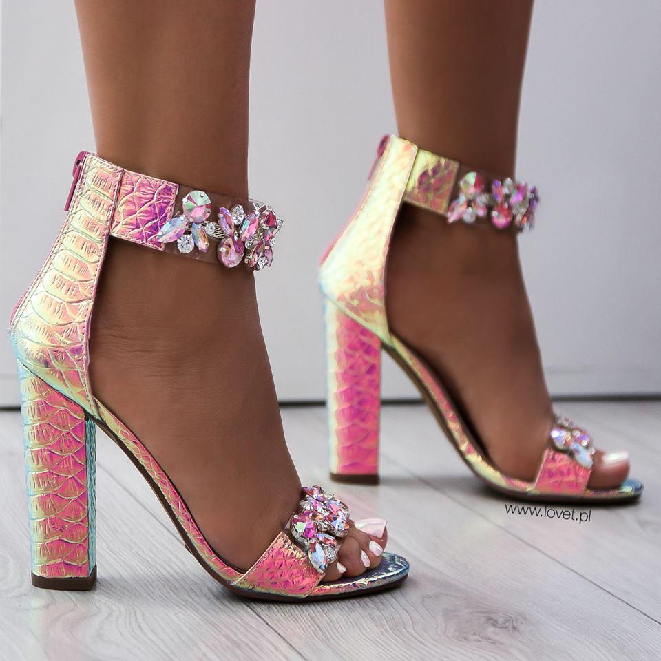 190ec8da35c2 Luxusné sandálky s kryštálikmi Sally ružové - Divalli.sk