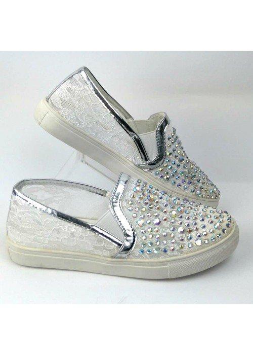 Biele Slip on mokasíny s kamienkami Luxe