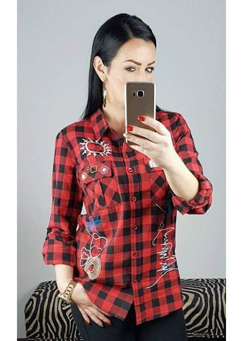 Károvaná košeľa s nášivkami