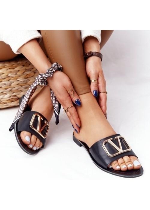 Čierne šľapky Valentina