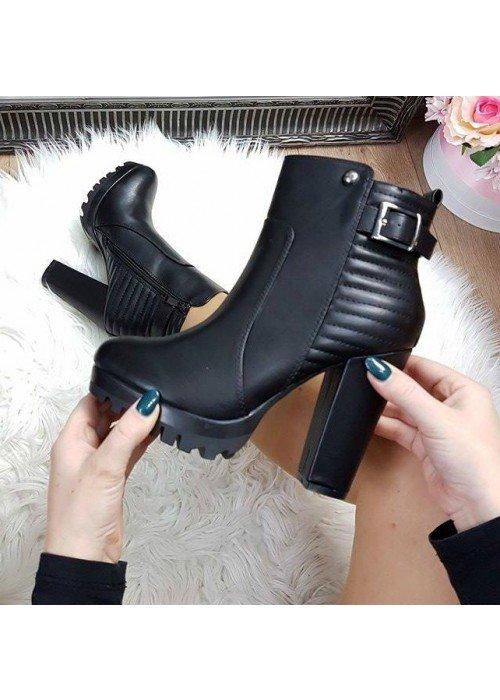 Čierne kotničky Demi