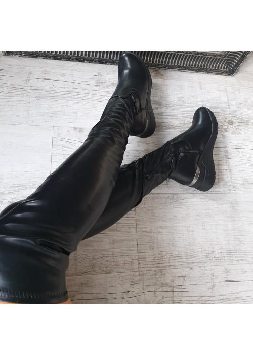 Čierne platformové čižmy nad koleno Simones