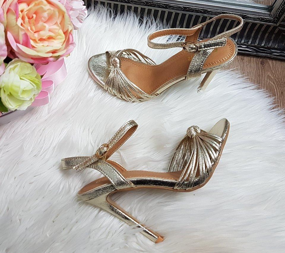 12067e840288 Metalické sandále Jovanna zlaté · Kliknite pre zväčšenie obrázku