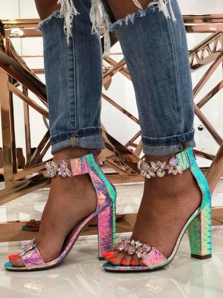 d67a93c765da Luxusné sandlálky s kryštálikmi Sally fialové - Divalli.sk