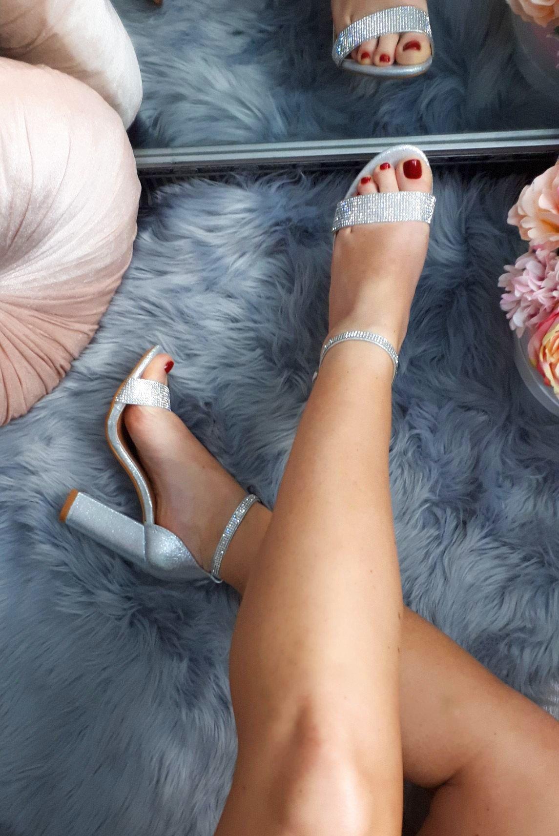 6158c62137fde Strieborné sandále s kamienkami Jessie - Divalli.sk