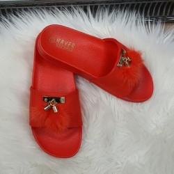 Šľapky s brmbolcami červené