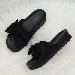 Čierne šľapky s mašľou