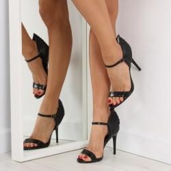 Čierne sandále Wing