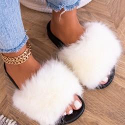 Biele chlpaté papuče Furra