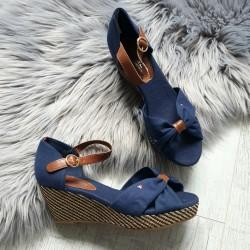 Platformové sandále Tommy
