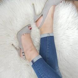 Sivé sandále Malma