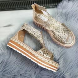 Štýlové sandále Trisha zlaté