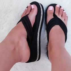 Čierne šľapky na platforme Trixie